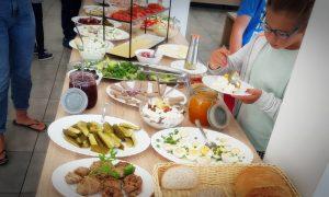 kolacja - szwedzki stół - Mikoszewo Grześ