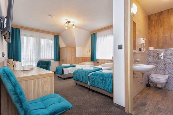 ferie-rodzinne-pokoj-3-os-lazienka-Gorska-przystan